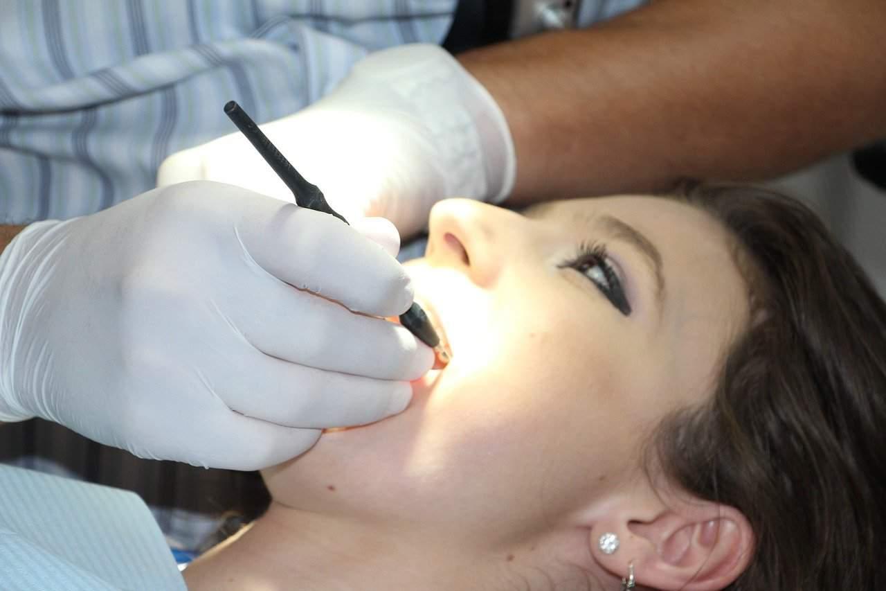 רופא שיניים ראשית
