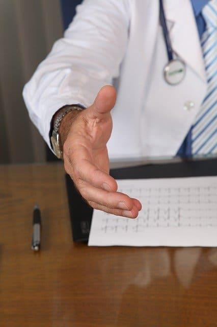 רופא הטריד מינית - איך מוצאים עו''ד שיתאים לתיק