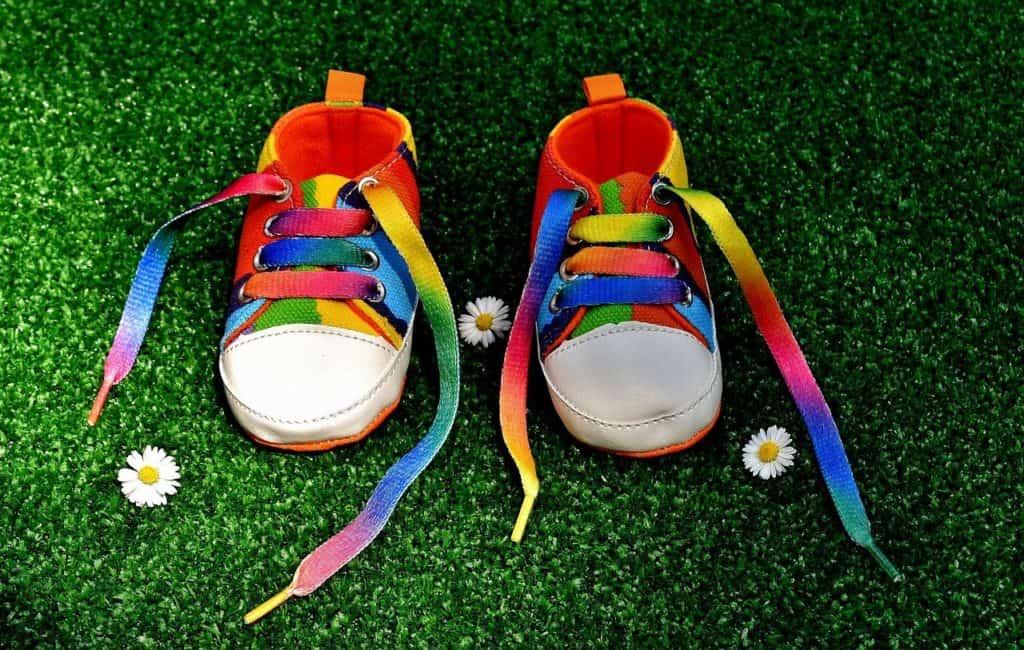 נעל צבעונית